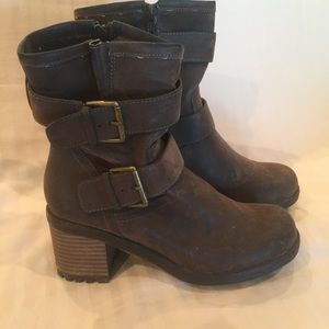 Sz 8 Sonoma dark brown distressed boots